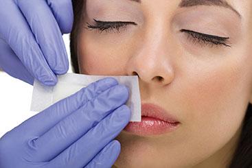 627793-lip-waxing-on-non-sensitive-skin
